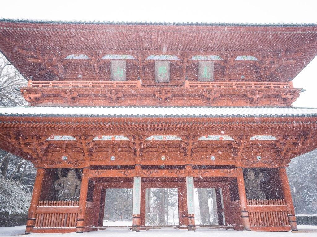 Daimon gate, Koyasan in a snow storm