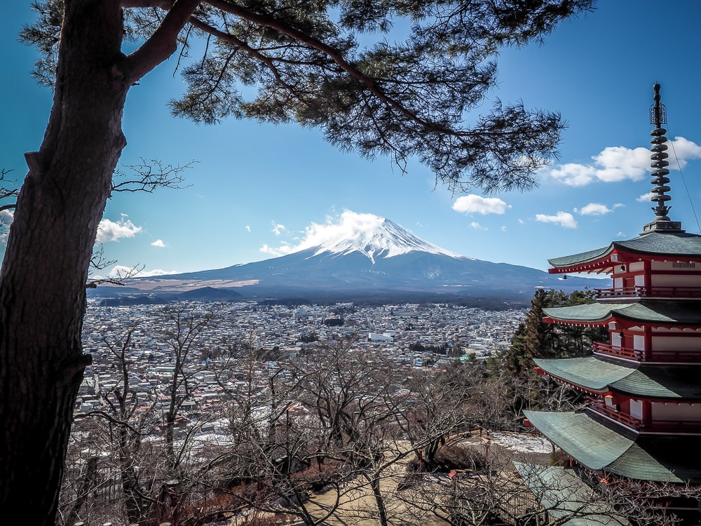 One of the most famous things to do in Mount Fuji: see the view from Chureito Pagoda