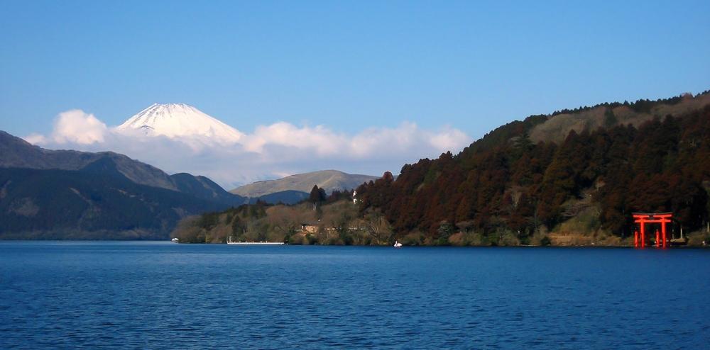 A great place to view Mt. Fuji: Ashi Lake, Hakone