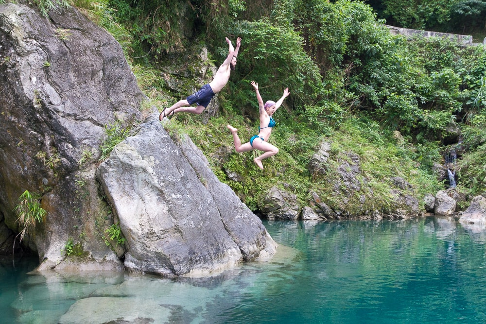 Cliff jumping at Sanzhan (Sanjhan), Hualien, Taiwan