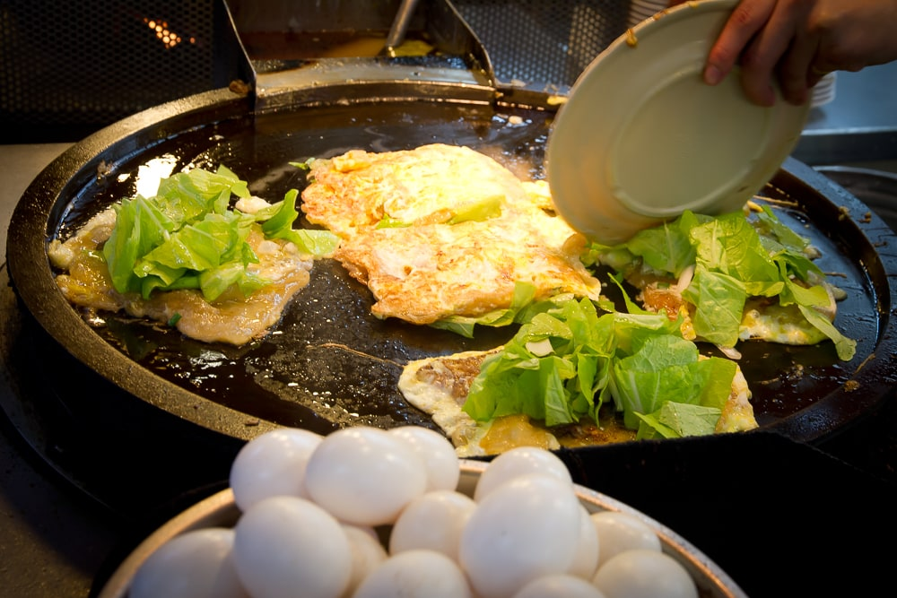 Oyster omelets at Dongmen Night Market (Yilan Night Market) in Yilan City