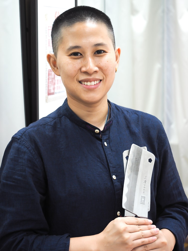 Olivia Wu, master of knife massage and I Ching readings in Ximending, Taipei