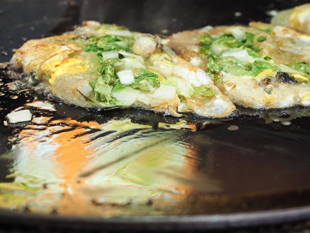 Taiwanese oyster omelets