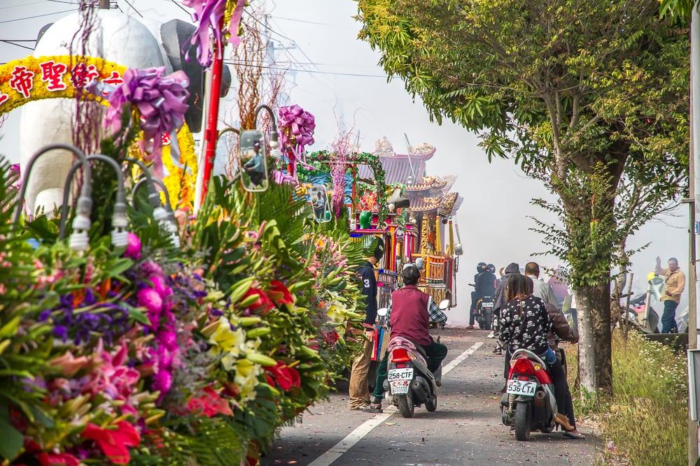 Parade floats in Yanshui