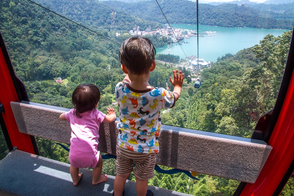 Riding the Sun Moon Lake ropeway with kids