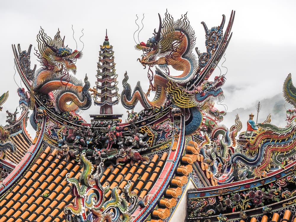 Quan Hua Temple roof, Lion's Head Mountain