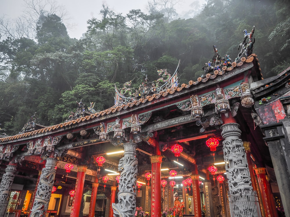 Quanhua Temple, Lion's Head Mountain in the rain