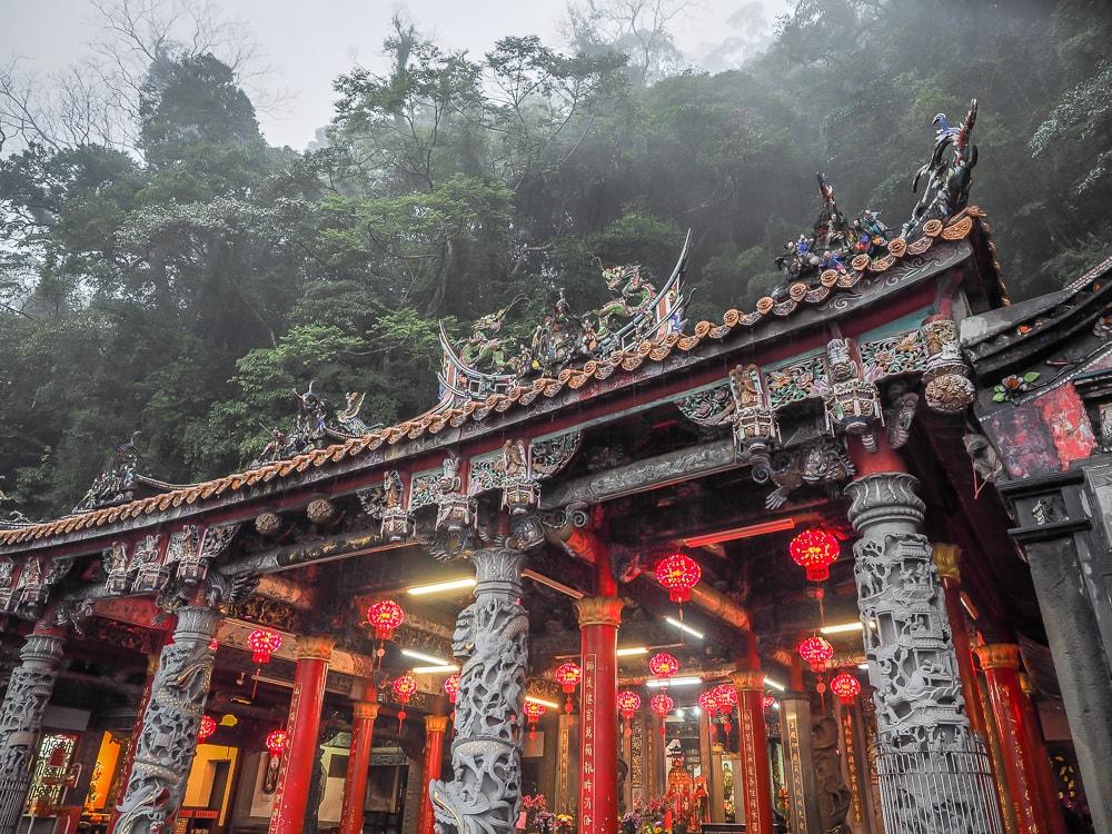 Quanhua Temple, Lion's Head Mountain in the rain