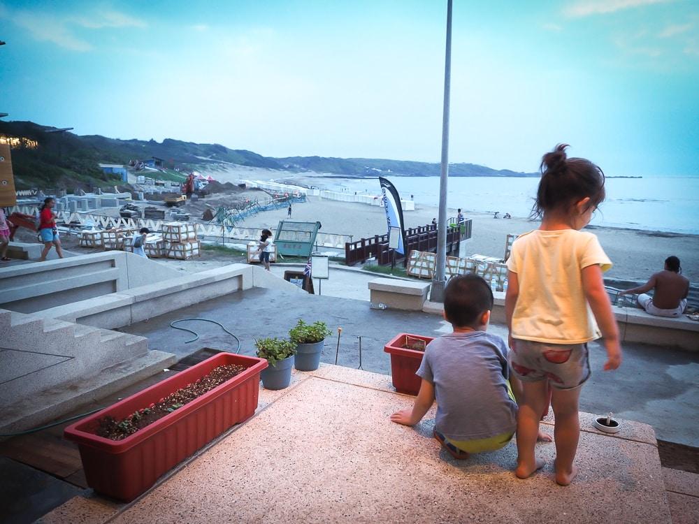 My kids at a restaurant at Baishanwan beach