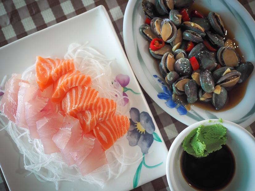 Fresh seafood at Waimushan Harbor, Keelung