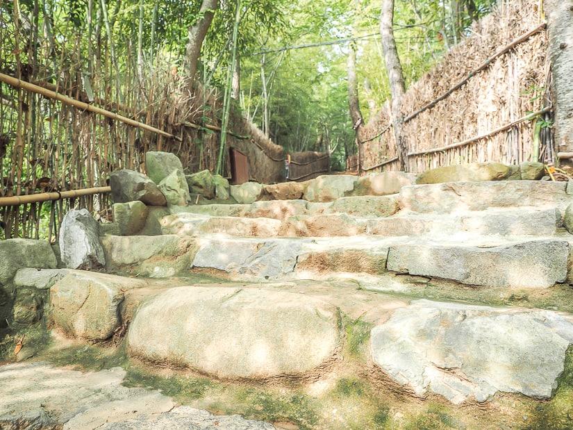 Hiking trail from Haedong Yonggungsa to Haedong Zen Center