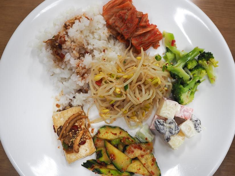 My vegetarian breakfast at Beomeosa