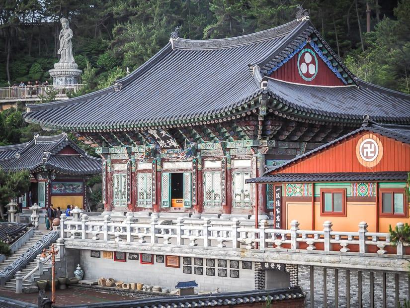 Haedong Yonggungsa main temple area
