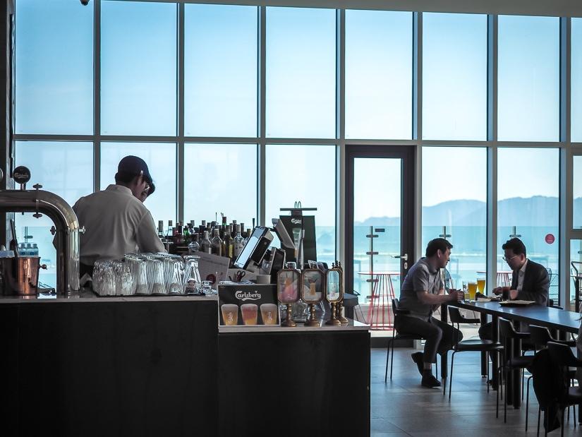Bar at La Valse Hotel Busan