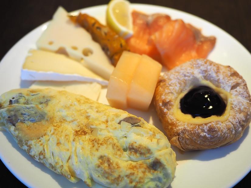 Breakfast at Grand Club, Grand Hyatt Taipei