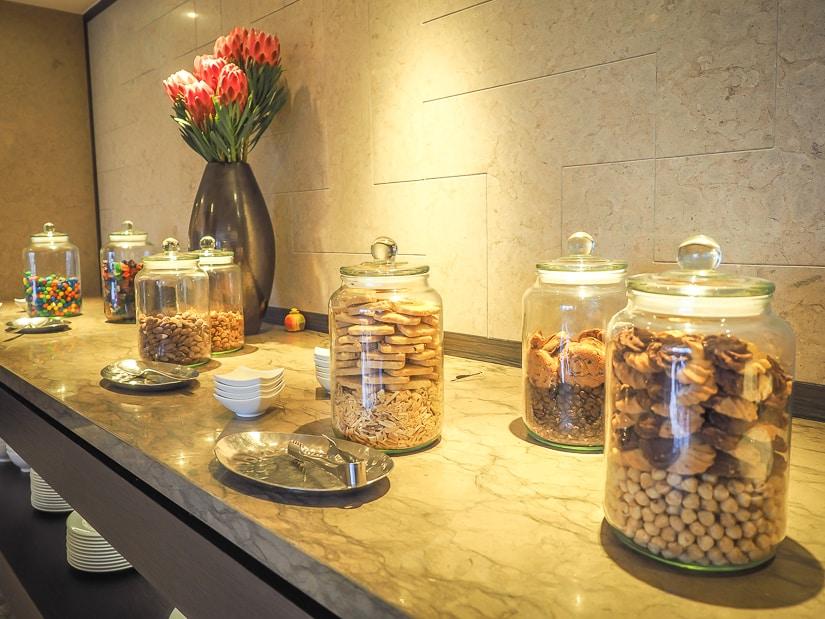 Snacks in Grand Hyatt Taipei's Grand Club lounge