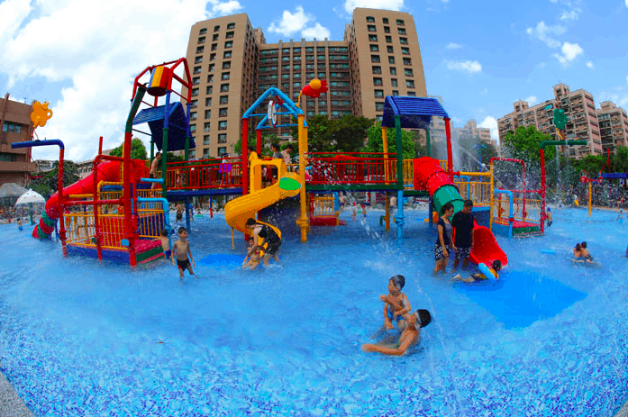 Taipei Waterpark in Gongguan, one of the best things to do with kids in Taipei in July