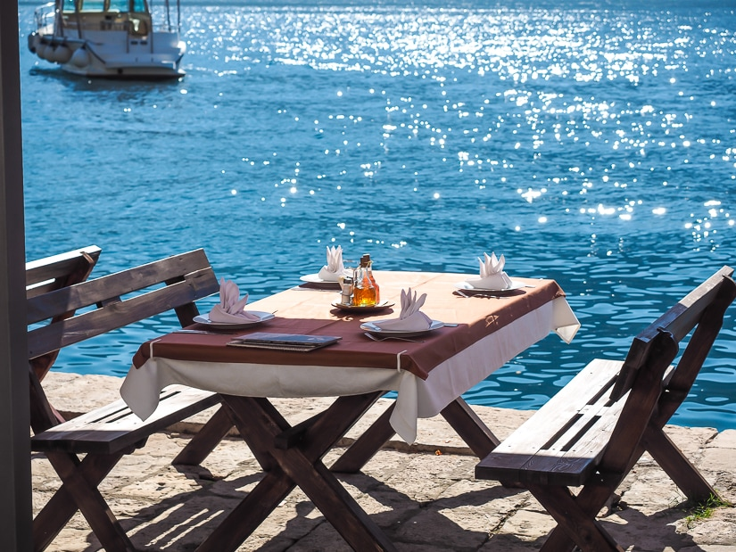 Perast restaurant by the sea
