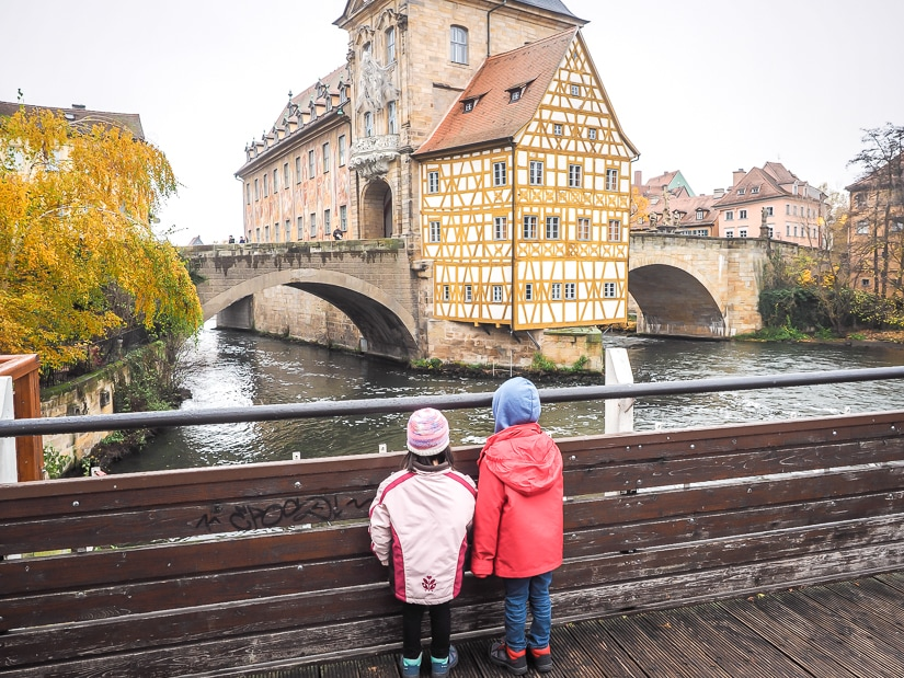 Admiring Altes Rathaus in Bamberg with kids