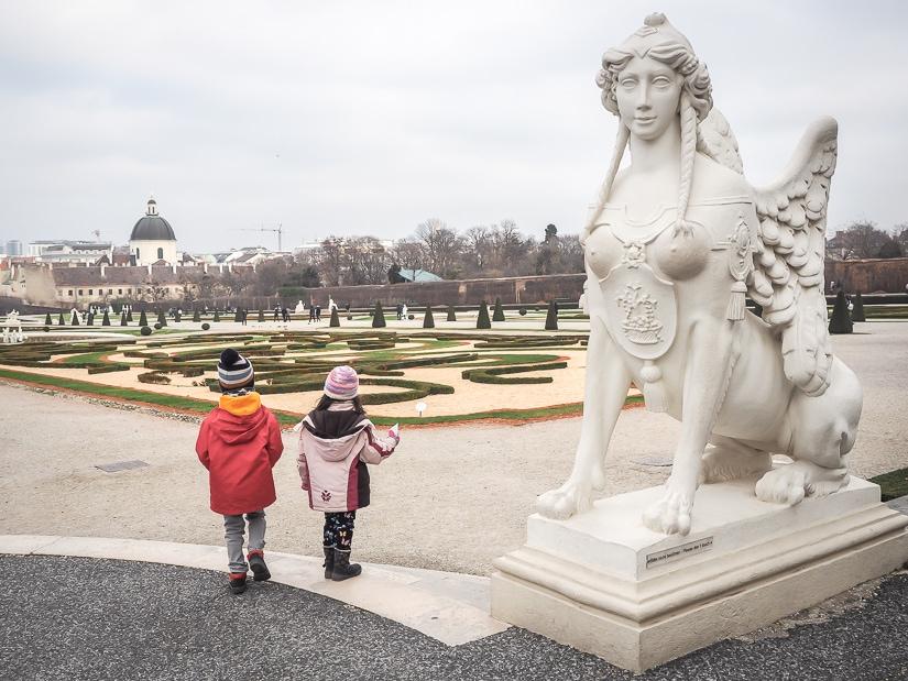 Visiti Belevedere Gardens (Belevedergarten) with kids
