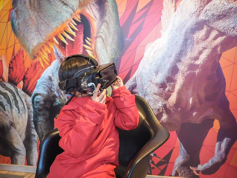 4R virtual reality sets at Dino Park Praha