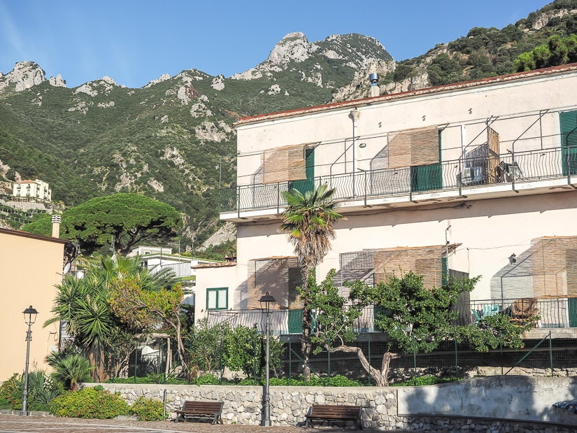 Houses and hotels in Erchie
