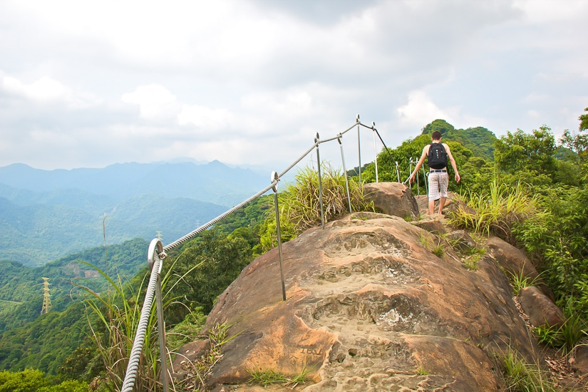 Shiding Huangdi Dian Hike, one of the best hikes that can be done as a day trip from Taipei