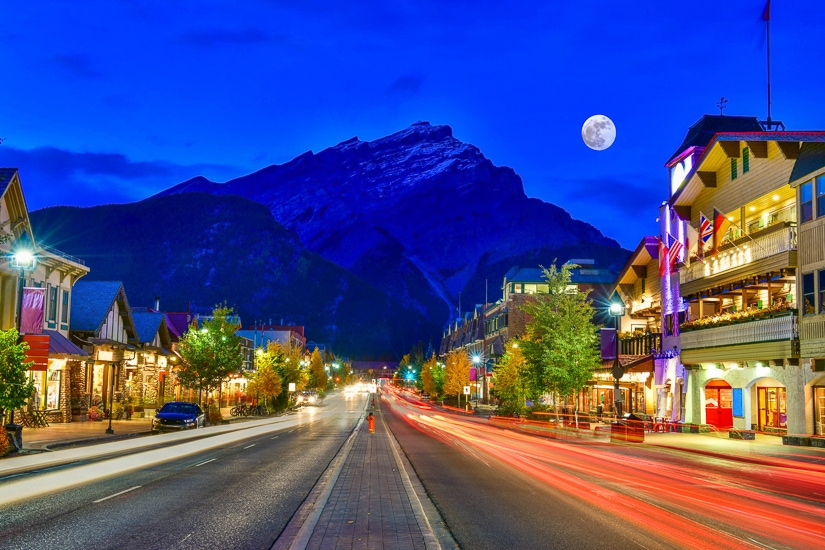 Downtown Banff, the place to begin your first of three days in Banff
