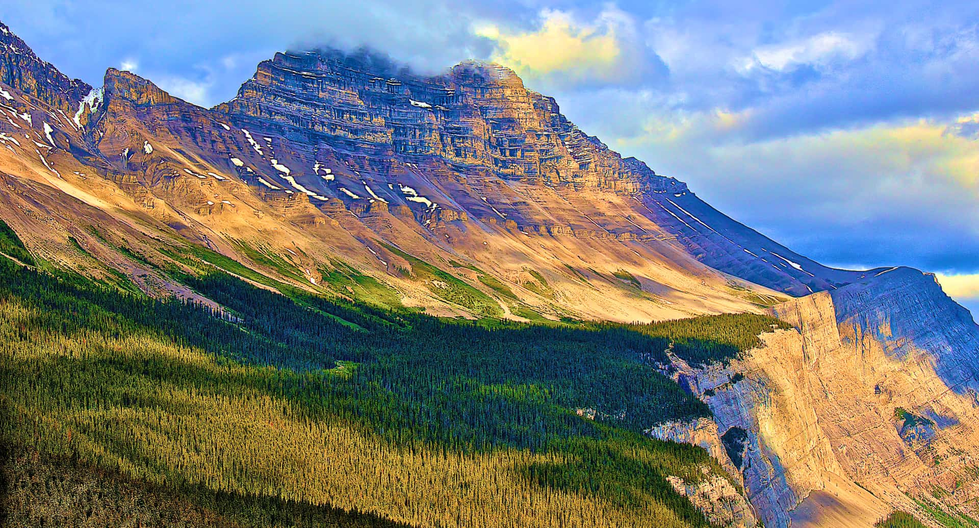 Planning to visit Banff in three days? Here you'll find the ultimate Banff three day itinerary!