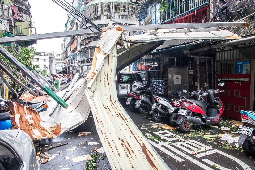 Damage in Taipei from Typhoon Soudelor (August 2015)