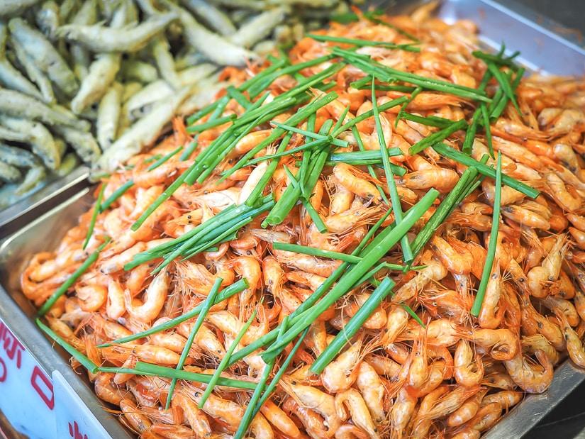 Deep fried shrimp and fish on display at a Wulai Restaurant