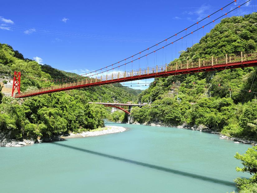 Wulai Suspension Bridge over Nanshi River