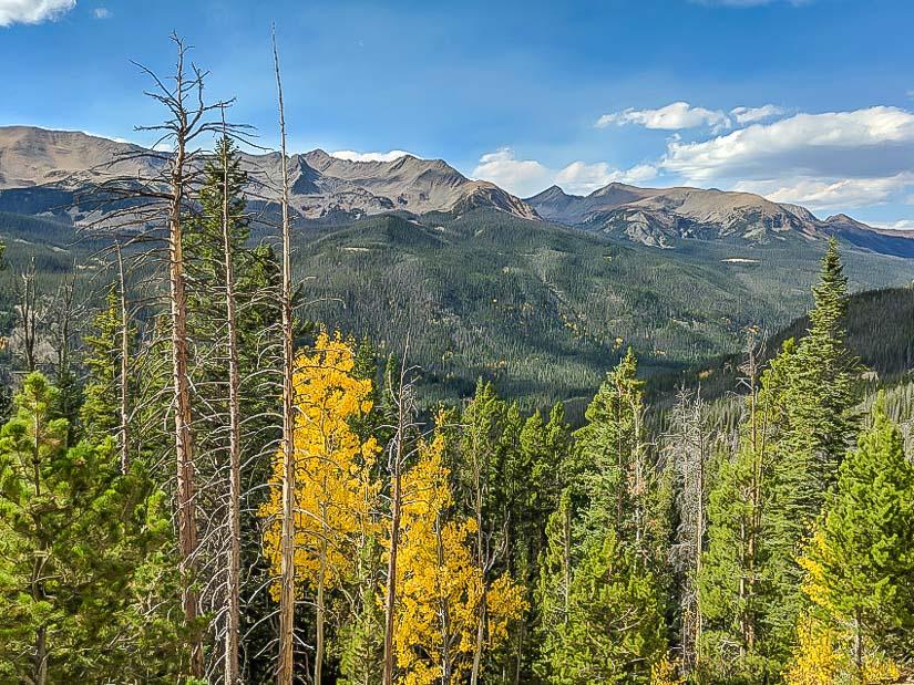 Autumn mountain scene in Rocky Mountains National Park