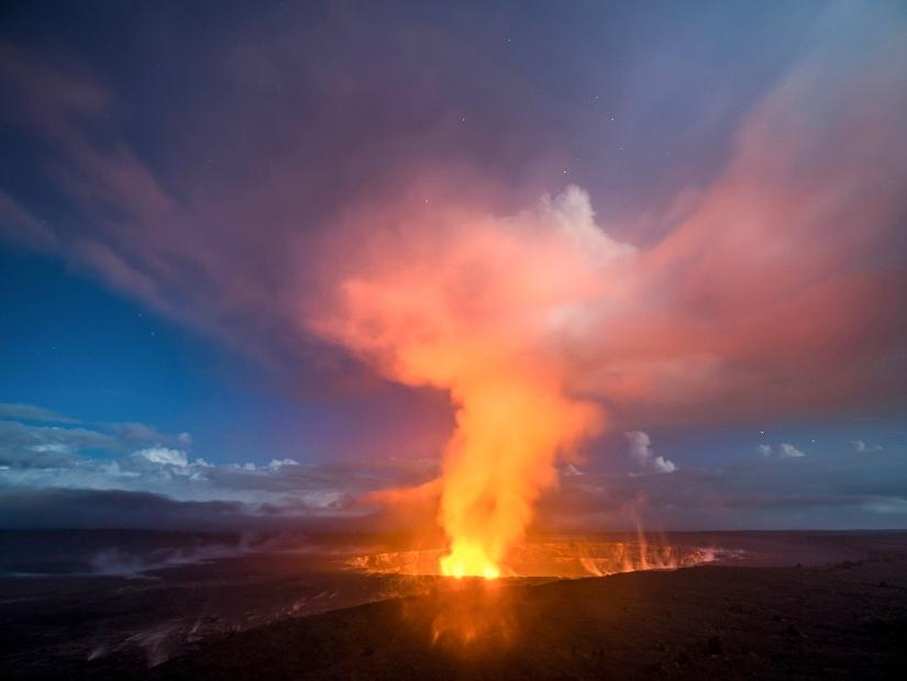 Kilauea Caldera, Volcanoes National Park in autumn