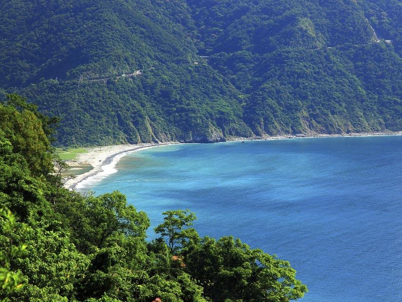 Dongao Bay in Yilan County between Suao and Hualien