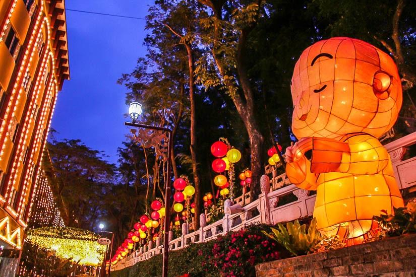 Lanterns at Foguangshan at night
