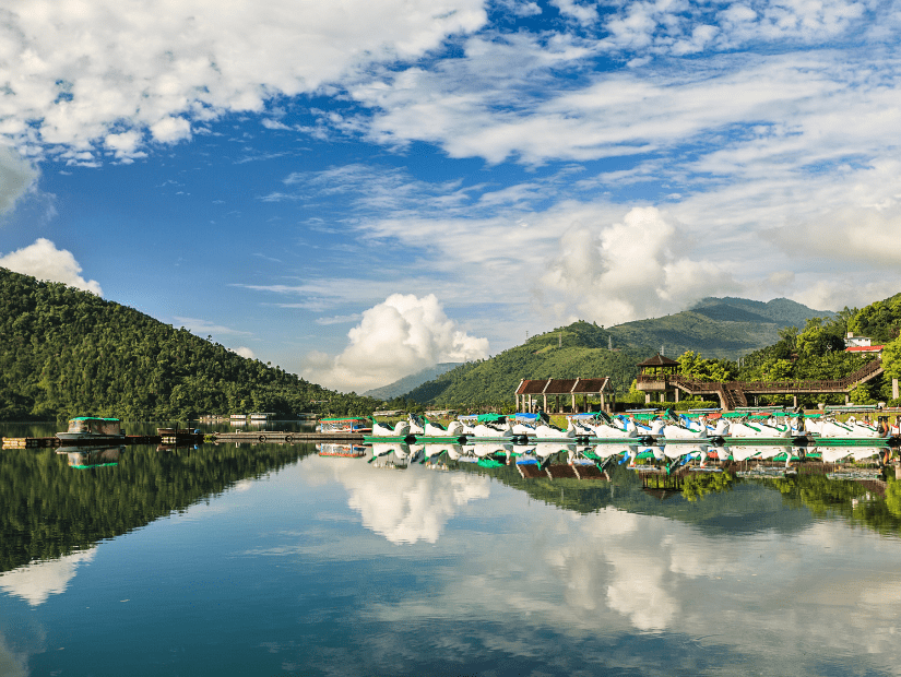 Boats reflecting on Carp Lake (Liyu Lake), one of the most beautiful places to visit in Hualien